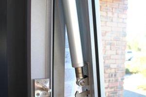 Paragon electric strut window