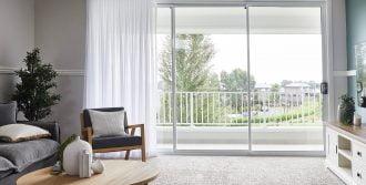 Horizon stacking door in Pearl White
