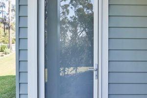 Yellow Rock project: Paragon hinged door in Surfmist Matt
