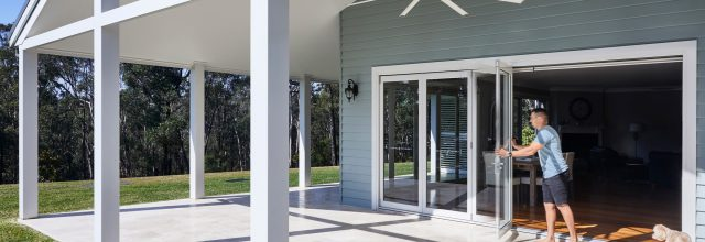 Paragon bi-fold door in Pearl White
