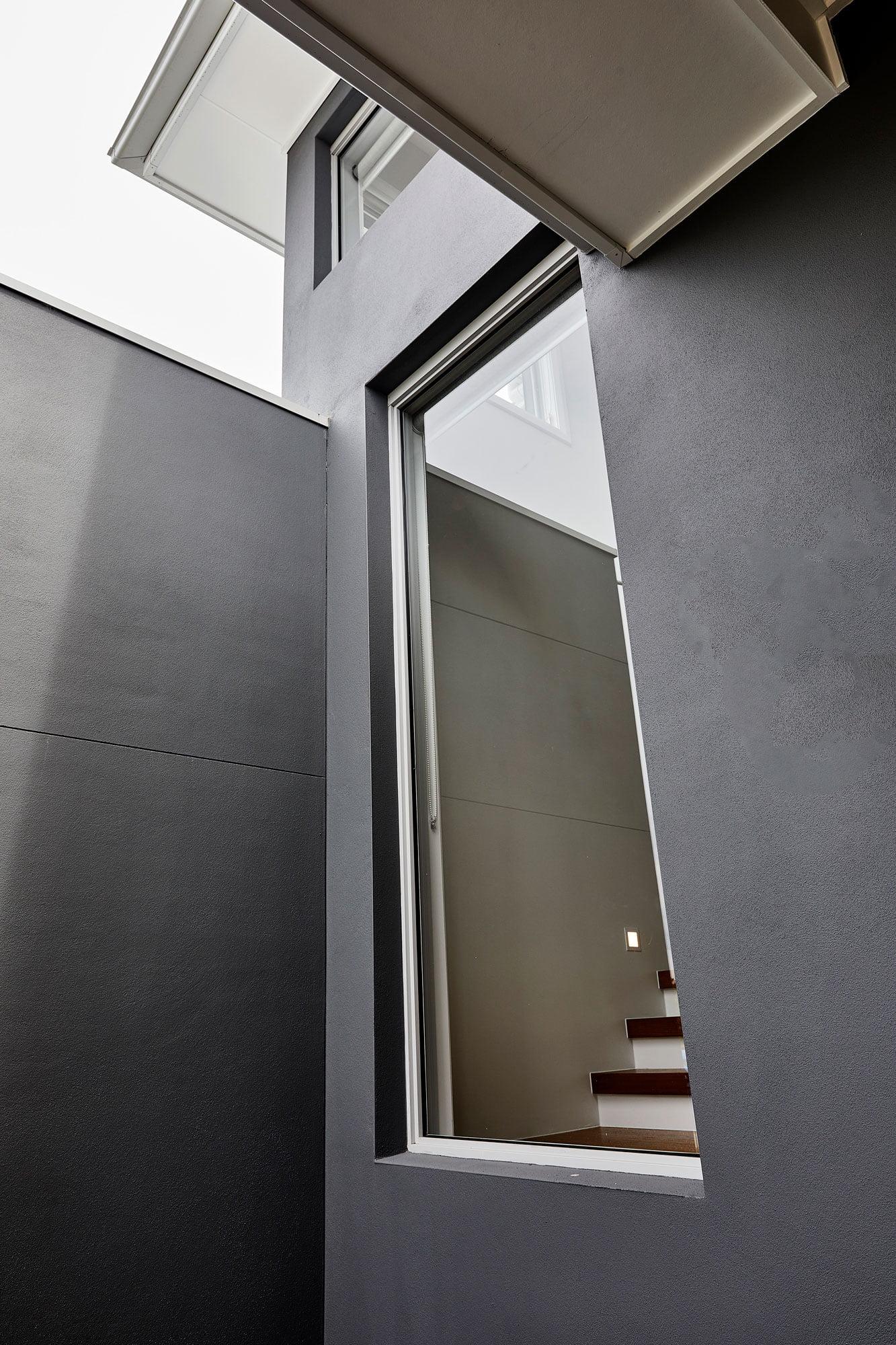 Horizon fixed windows in Shale Grey