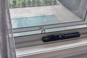 Horizon awning window chainwinder