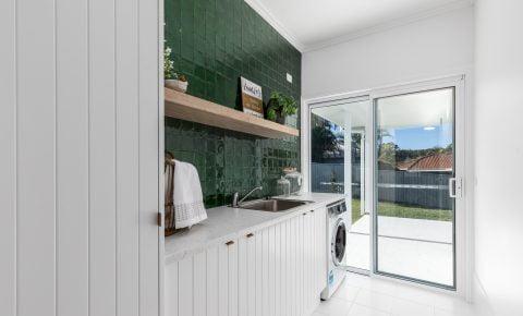 Horizon sliding door in Pearl White, Hopwood Homes