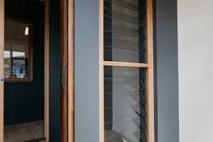 Natura timber window screen