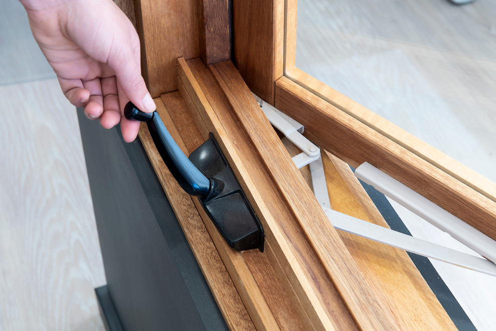 Natura timber casement window chainwinder