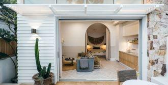 Paragon cavity stacking door in Textura Surfmist