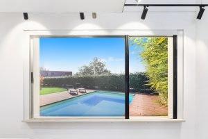 Centor retractable screen/shade mesh