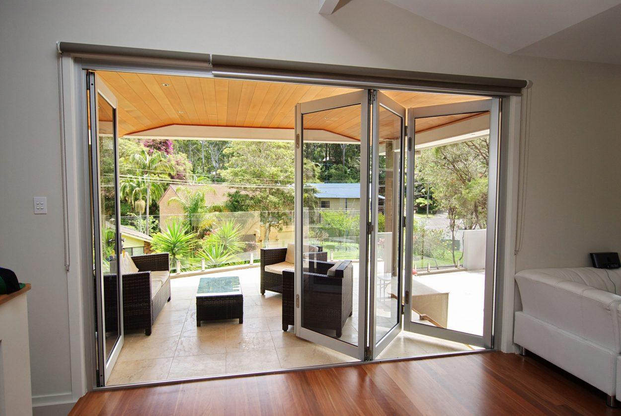 Horizon bi-fold door